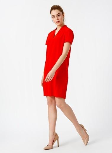 House Of Camellia V Yaka Kısa Kollu Elbise Kırmızı
